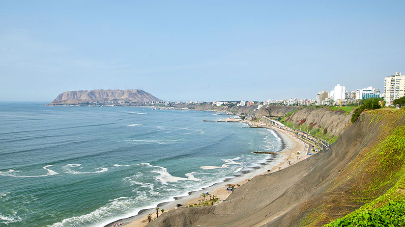 visiting peru in december lima sea
