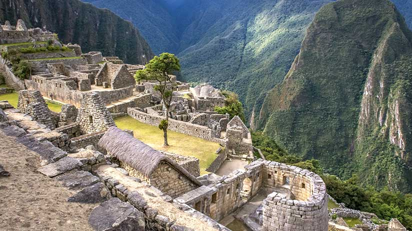 things to do in machu picchu temple of the sun