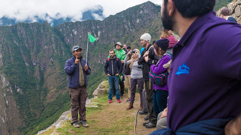 how to hire a machu picchu guided tour