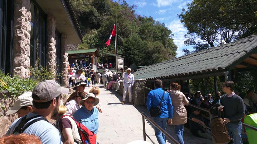 machu picchu guided tour hiring a guide