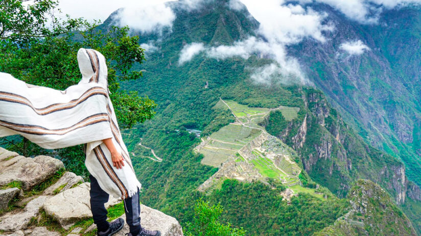 reaching the huayna picchu top