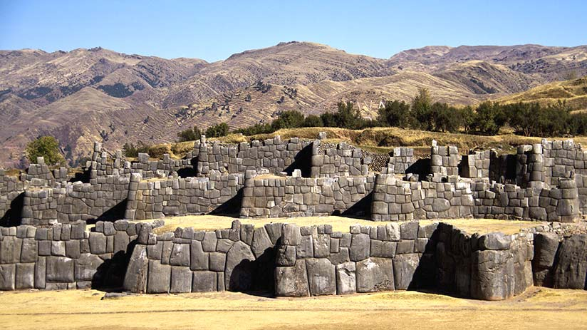 tourist attractions in peru sacsayhuaman
