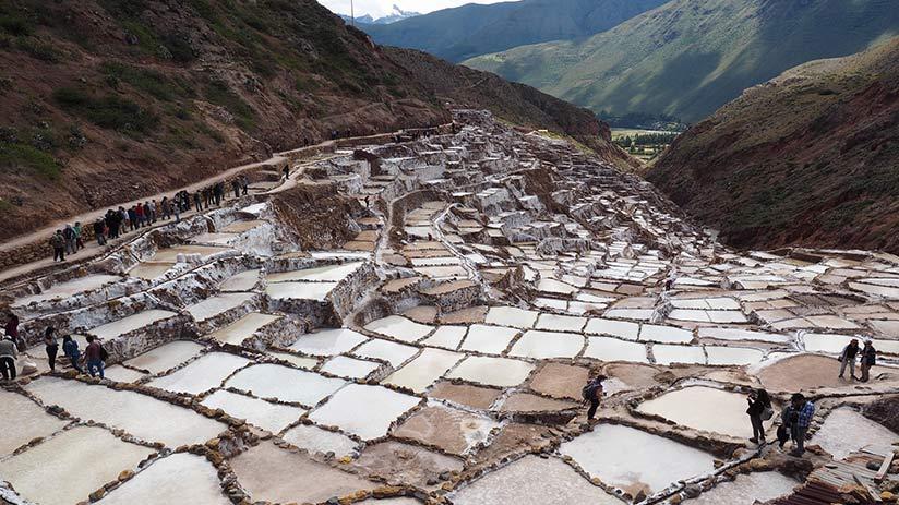 fun things to do in peru maras salt mines