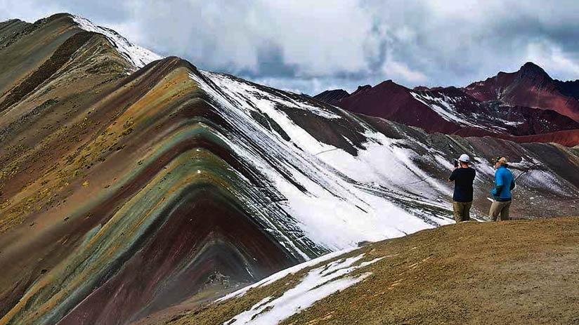 fun things to do in peru hiking rainbow mountain