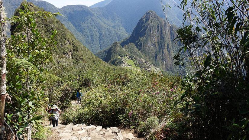 how do i hike machu picchu mountain