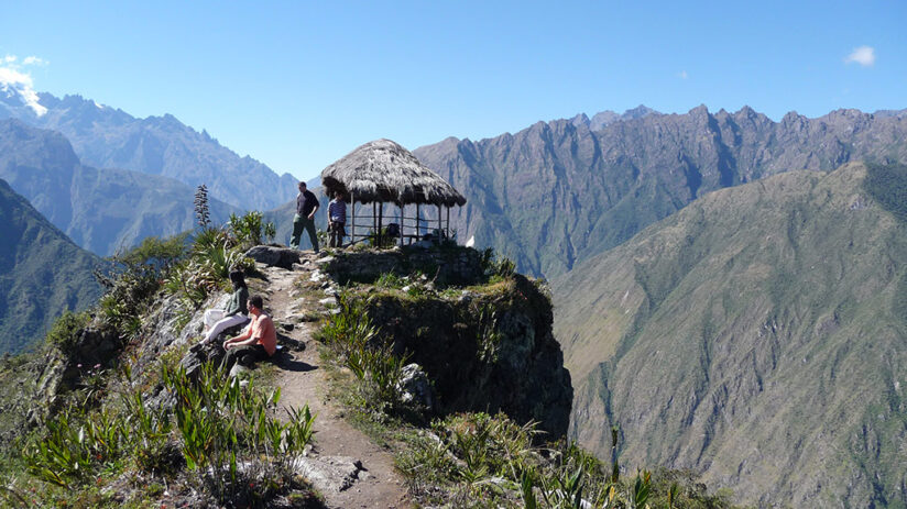 how to get ticket to machu picchu mountain