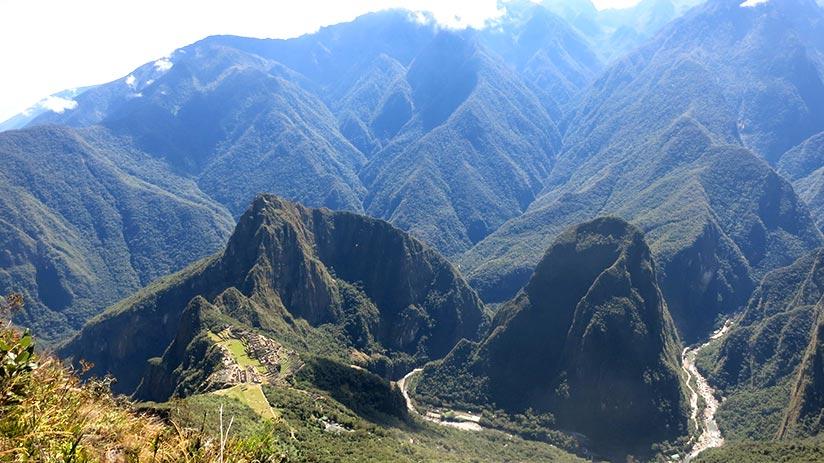 machu picchu mountain tips