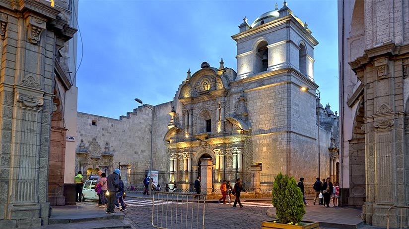 tourist sites in peru arequipa