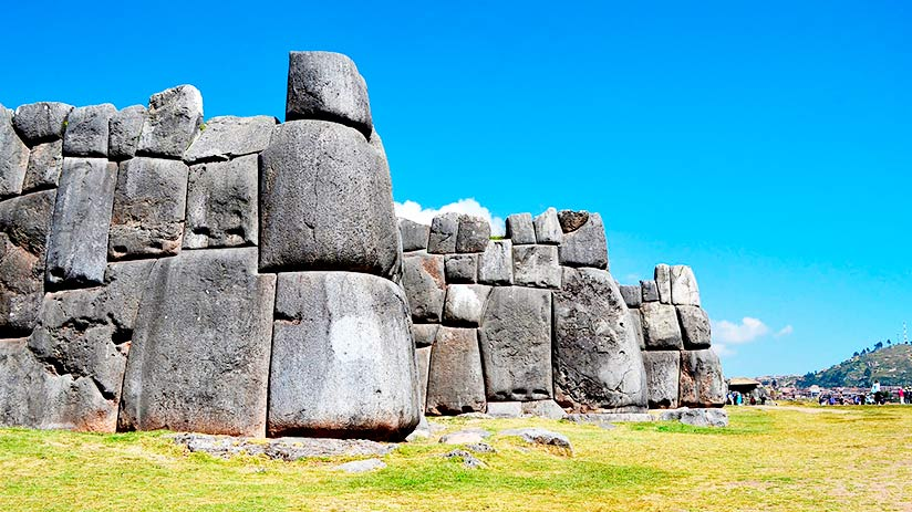 archaeological treasures in peru sacsayhuaman