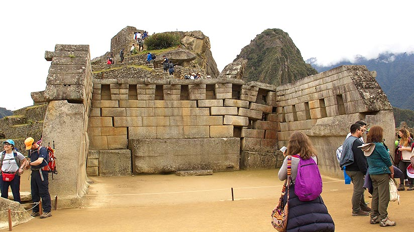 archaeological treasures in peru
