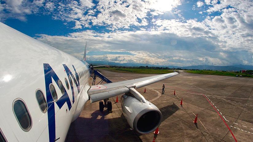 best way to travel in peru airplane