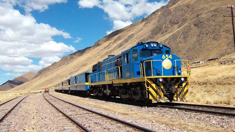 best way to travel in peru train
