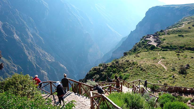 colca canyon tour arequipa