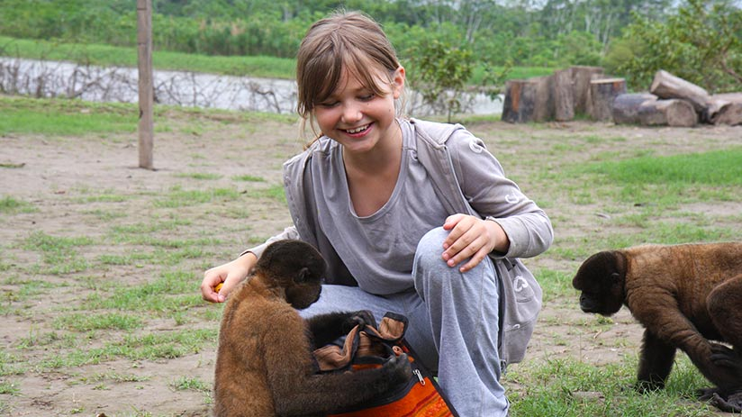 things to do in iquitos monkeys island