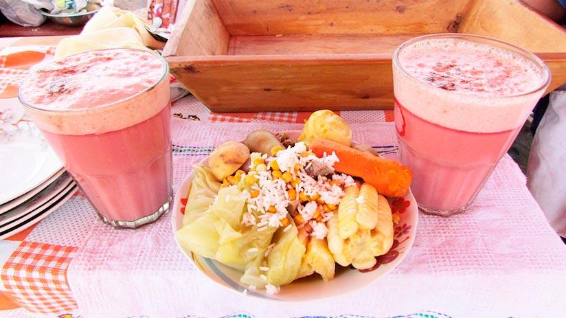 traditional peruvian non alcoholic drinks frutillada