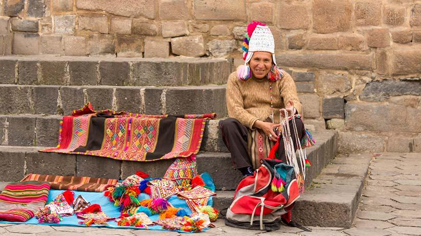 cusco main square ambulant sellers