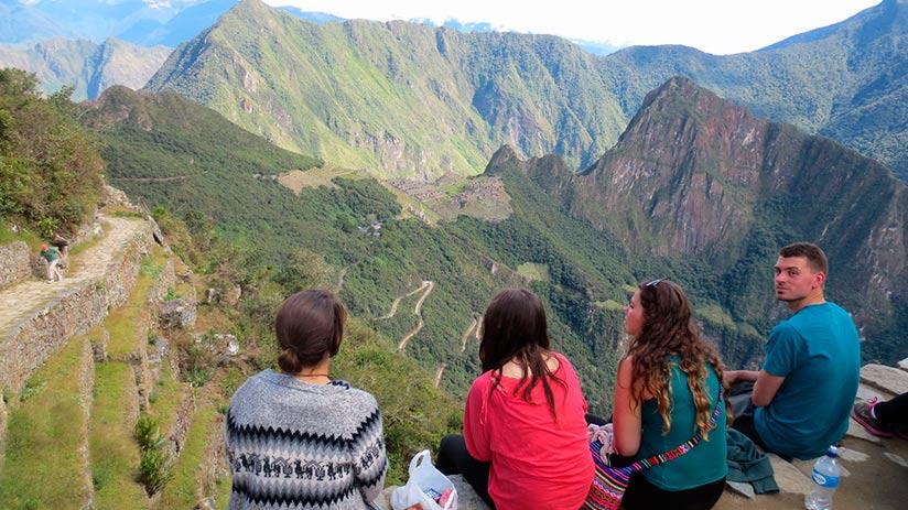 hike to Machu Picchu travel light