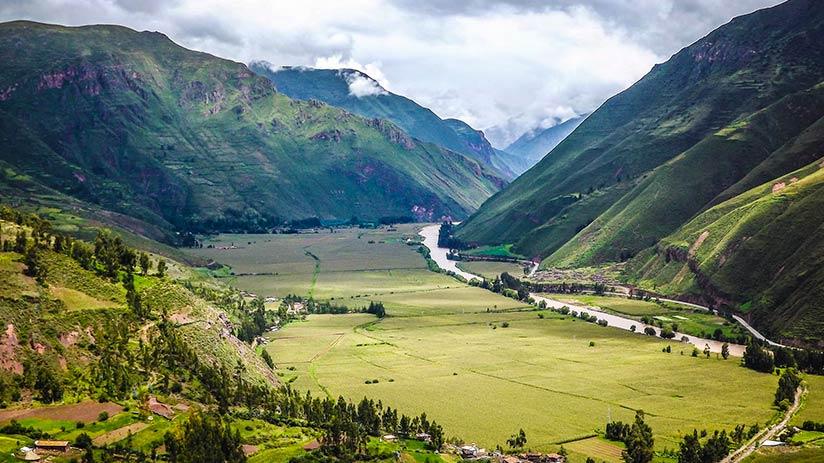 visit machu picchu acclimatization sacred valley