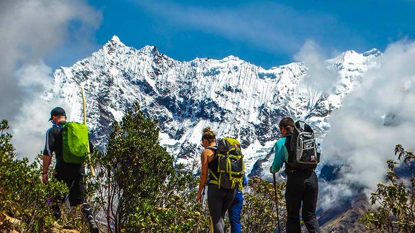 visit machu picchu hike or train