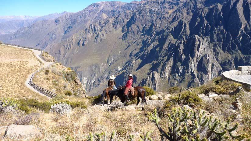 Colca hot springs horseback riding