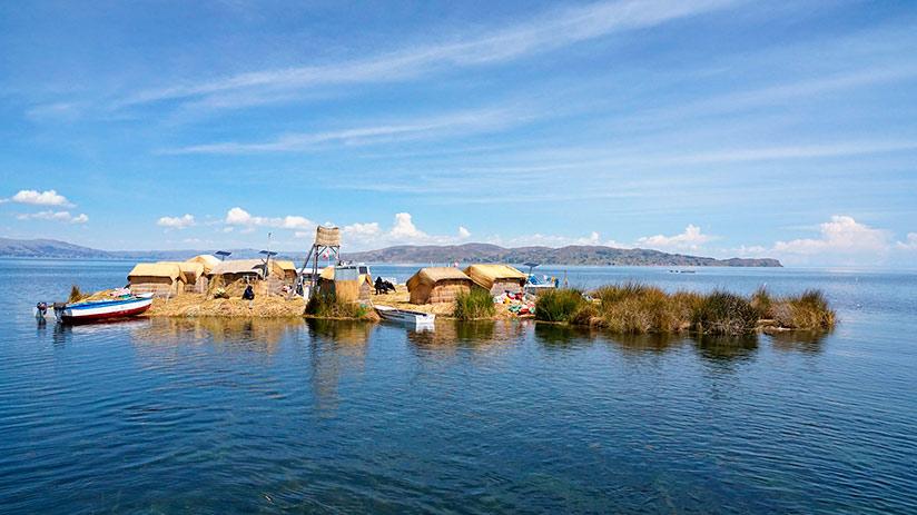 lake Titicaca islands uros floating islands
