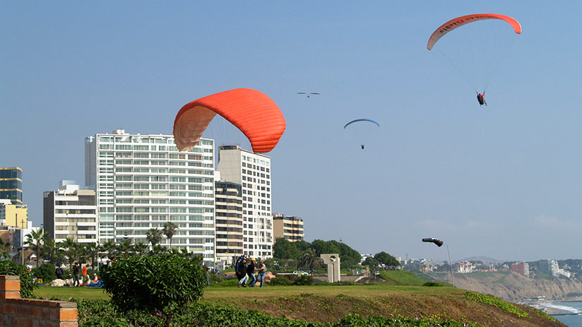 paragliding in Lima experience