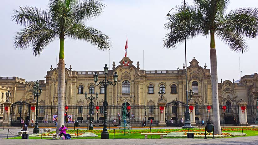 plaza de armas in lima government palace