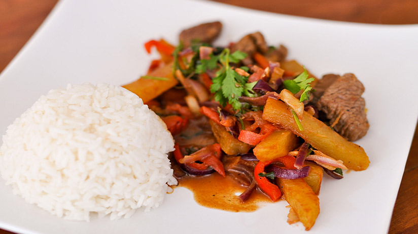 Peru national dish typical dishes lomo saltado