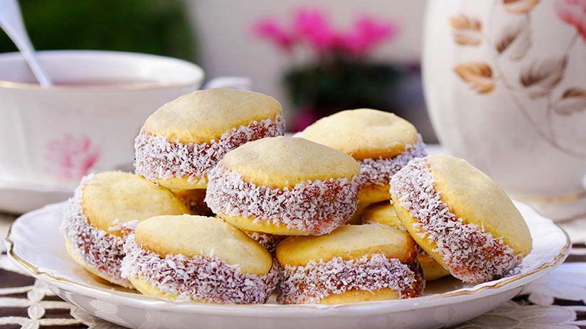 peruvian desserts alfajores
