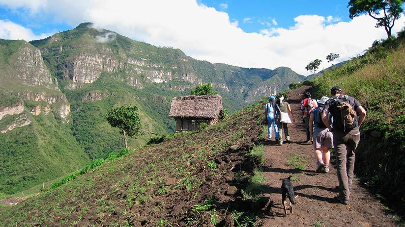 walk to gocta waterfalls