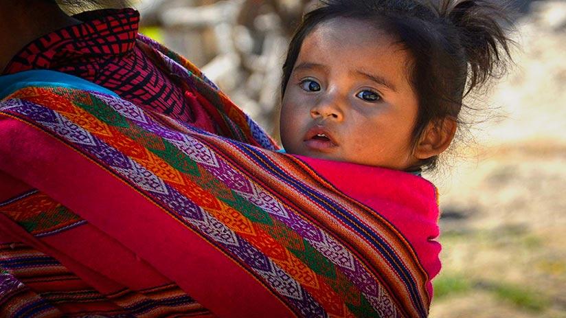 peruvian traditional clothes lliclla