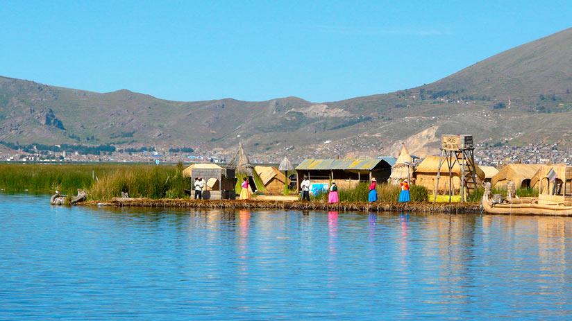 popular places in peru lake titicaca