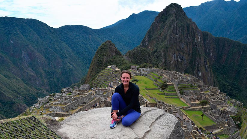 women traveling to peru alone
