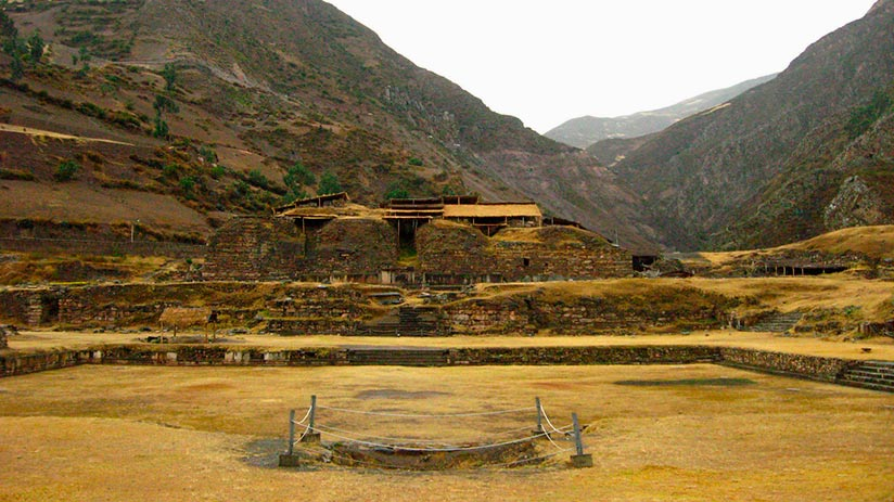 ancient ruins in peru chavin