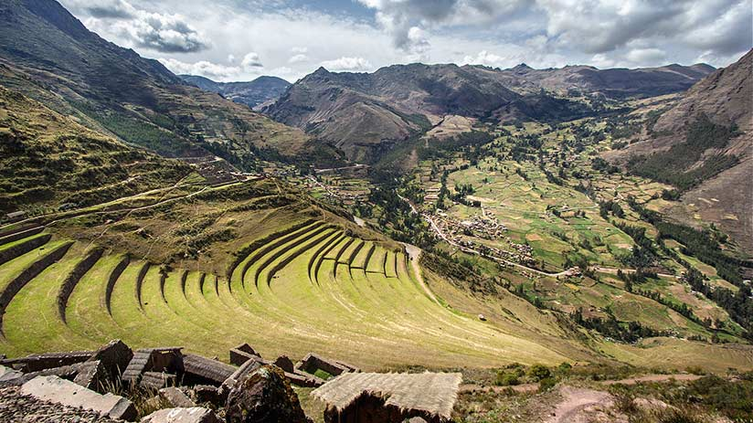 ancient ruins in peru pisac
