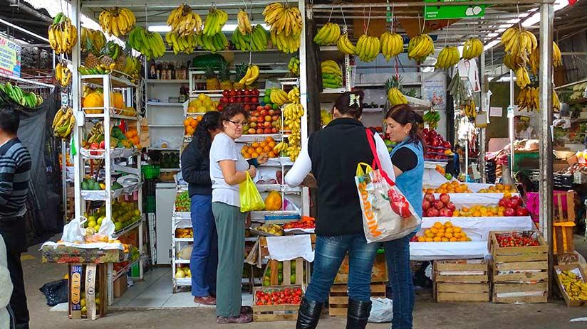 markets in lima surquillo market