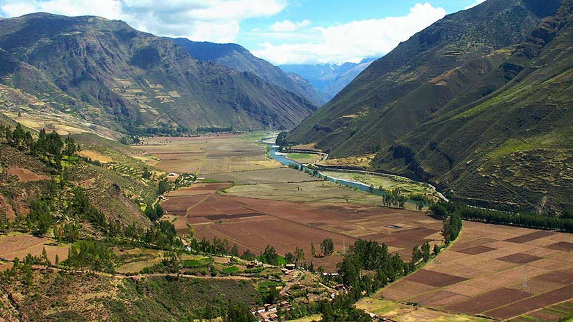 peruvian andes sacred valley