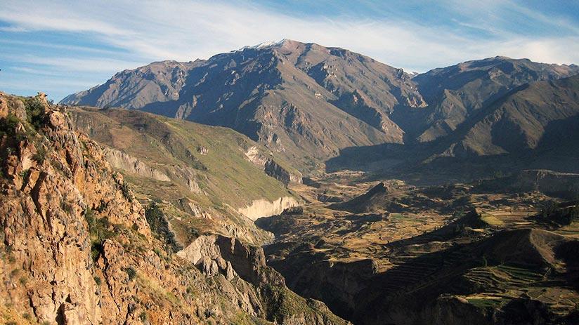 cross the colca canyon
