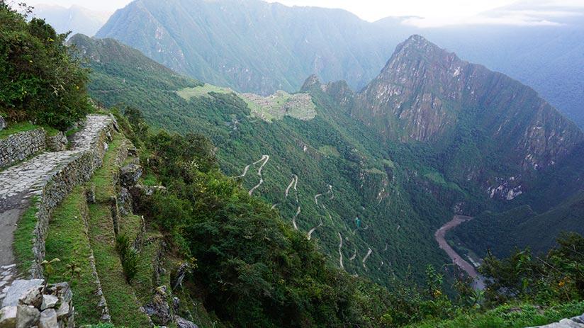 inca trail to visit machu picchu