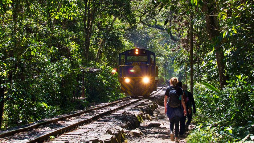 train to machu picchu back to cusco