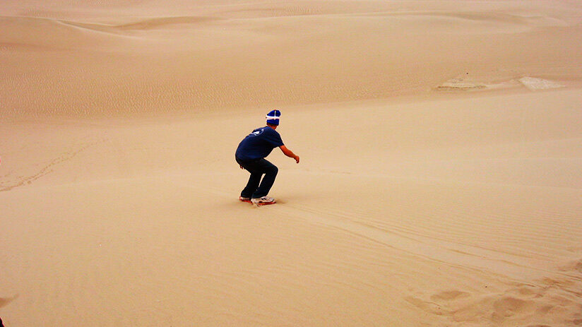 sandboarding in paracas difficulty and level