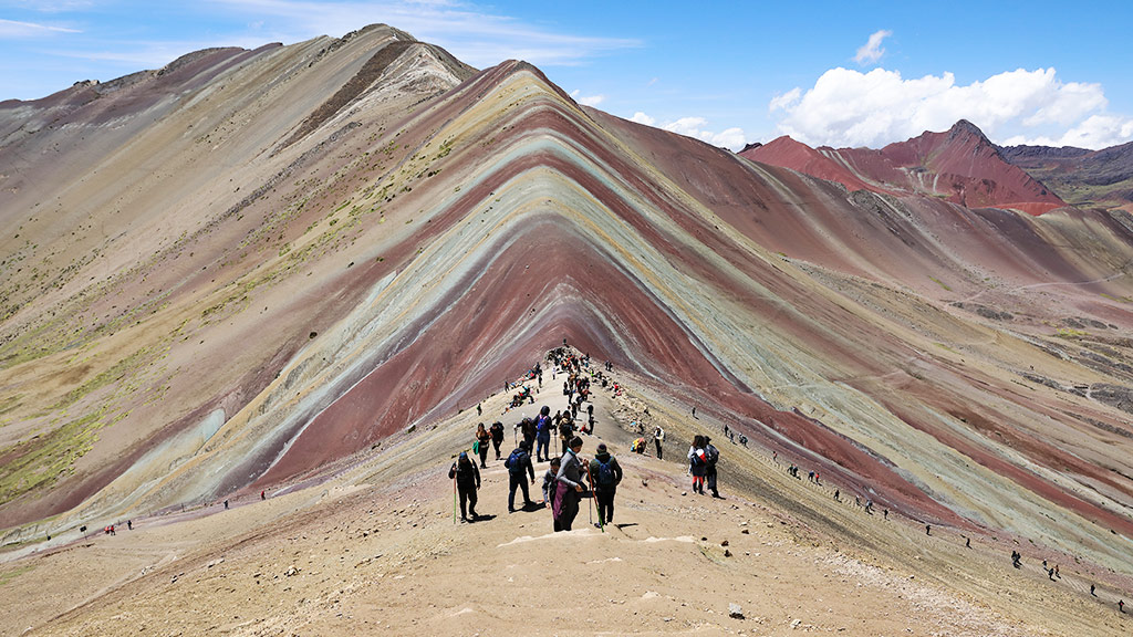 things to do in peru rainbow mountain