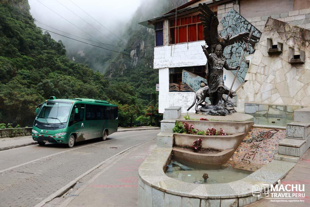 Bus ride to Machu Picchu