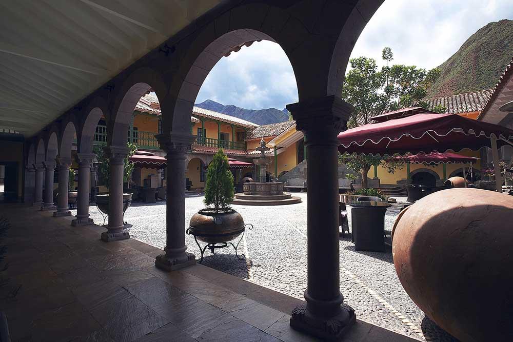Aranwa Sacred Valley Hotel View Gallery Lap